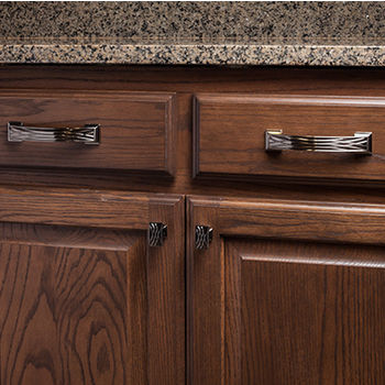Jeffrey Alexander Aberdeen Collection Lined Cabinet Pull