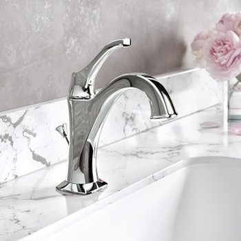 "Kraus Arlo™ Chrome Single Handle Basin Bathroom Faucet with Lift Rod Drain and Deck Plate, Faucet Height: 8"", Spout Reach: 5"""