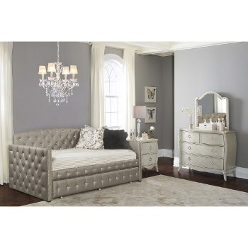 Daybed w/ Trundle Unit View 5
