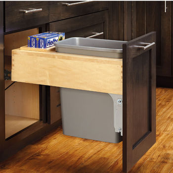 Single 30 Qt. Container Pull-Out