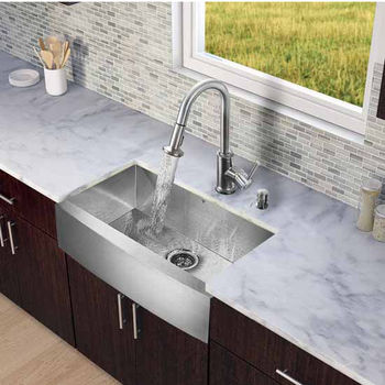 Vigo All In One 30-Inch Farmhouse Stainless Steel Kitchen Sink And Faucet Set
