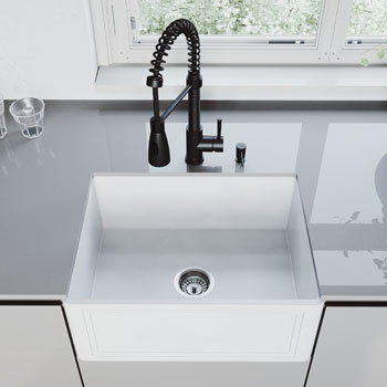 Brant Pull-Down Faucet Close-up