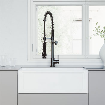 Sink and Zurich Pull-Down Kitchen Faucet Lifestyle 2