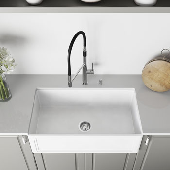 33'' Sink and Norwood Magnetic Kitchen Faucet Closeup