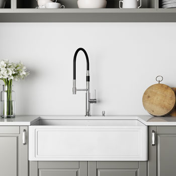 33'' Sink and Norwood Magnetic Kitchen Faucet Lifestyle 2