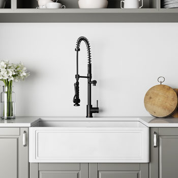 33'' Sink and Zurich Pull-Down Kitchen Faucet Lifestyle 1