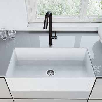 Sink with Oakhurst Faucet Lifestyle View 1